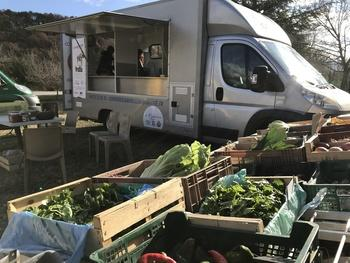 A mobile, solidarity-based preserving facility
