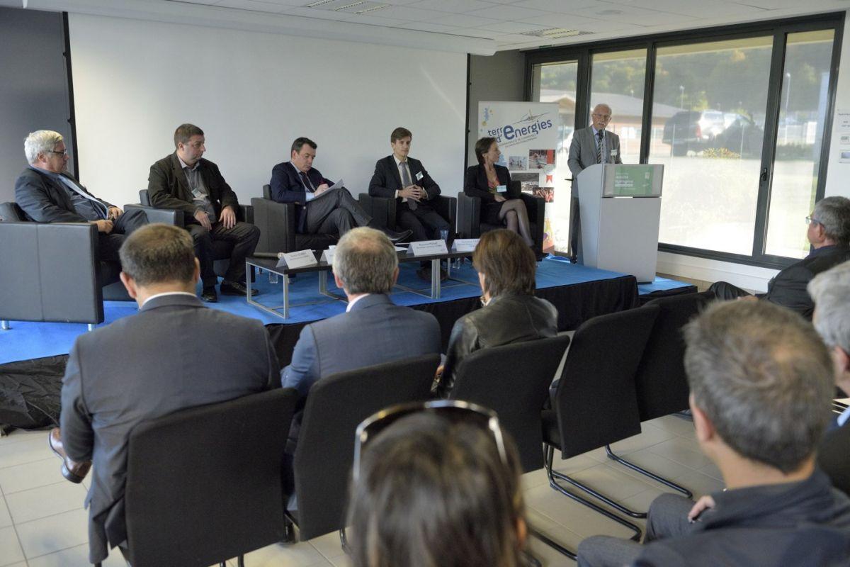 Table ronde des intervenants de gauche à droite : Adisseo, Serfim, SymbioFcell, Tenerrdis