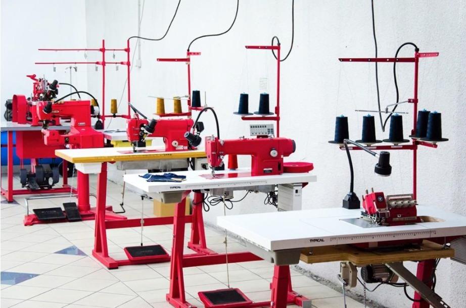 éco en chaussures Des Initiative fabriqués et jeans conçus et wzggIp